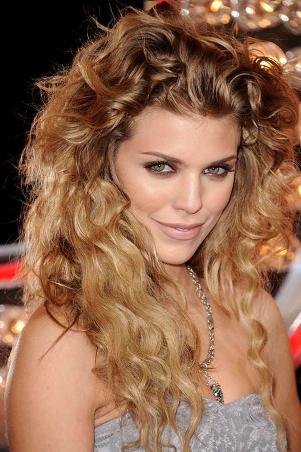 curly hairstyle 10